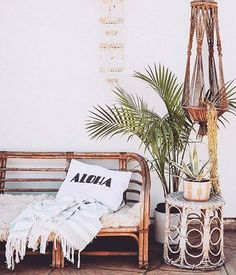 get the look: vintage modern surf shack. modern home decor get the look: vintage modern surf shack. Beach House Decor, Vintage House, Beach Cottage Decor, Vintage Home Decor, Interior Design, Tropical Home Decor, Home Decor, Surf Shack, Surf Decor