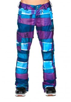 i know these are girls pants but i want theeeem Snowboard Pants, Ski And Snowboard, Snow Outfit, Snowboarding Outfit, Ski Gear, Snow Fun, Ski Season, Pants For Women, Girls Pants