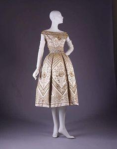 "Christian Dior ""Palomita"" House of Dior fall/winter 1953 –1954 #vintage #dior"
