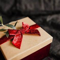 Háztartási parfüm öblítéshez, felmosáshoz | Szépítők Magazin Gift Wrapping, Gifts, Gift Wrapping Paper, Presents, Wrapping Gifts, Favors, Gift Packaging, Gift