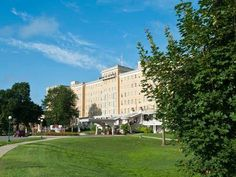 French Lick (IN) French Lick Springs Hotel United States, North America Located in French Lick, French Lick Springs Hotel is a perfect starting point from which to explore French Lick (IN). Both business travelers and tourists can enjoy the hotel's facilities and services. Free Wi-Fi in all rooms, casino, 24-hour front desk, facilities for disabled guests, luggage storage are there for guest's enjoyment. Air conditioning, heating, desk, alarm clock, satellite/cable TV can be f...