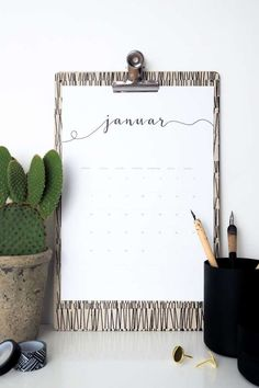 Freebie: Kalender 2018 als kostenloses Printables Freebie Kalender Get your free artwork with Calender Print, Free Calender, Free Printable Calendar, Printable Stickers, Calendar Ideas, Calendar Design, Printable Designs, Free Printables, Cool Ideas