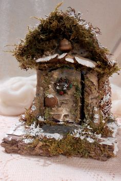 Deep in a faerie forest the holiday season has begun and each faerie has their own special way of celebrating. The faeries that live in this house