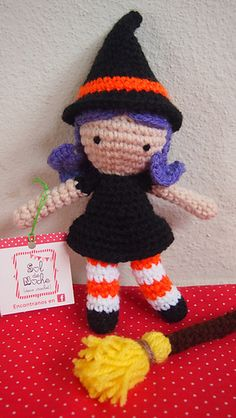 Halloween is coming! Here's my pattern of a Little Witch for you to make. It's a free pattern designed by me so please don't redistribute it for sale or for free. If you wish to share this pattern, you may link back to my blog.