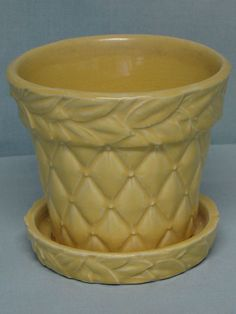 """Vintage McCoy 5"""" Quilted with Laurel Leaves Yellow Flower Pot Vase w/Saucer"""