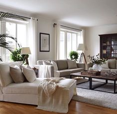 Living room remodel ideas solid home decorating advice to produce your deco Living Room Inspiration, Interior Inspiration, Living Room Designs, Living Spaces, Small Living, Modern Living, Living Room Furniture, Living Room Decor, Living Comedor