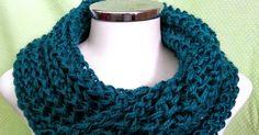 Tricô&Afins: Gola Sedificada Crochet Shell Stitch, Crochet Poncho, Free Crochet, Crochet Flower Patterns, Knitting Patterns Free, Free Knitting, Drops Delight, Velvet Acorn, Big Knits