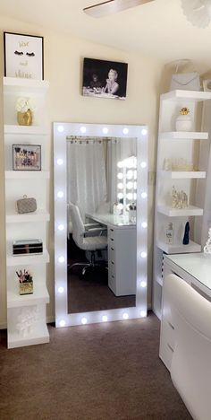 Cute Bedroom Decor, Room Design Bedroom, Stylish Bedroom, Room Ideas Bedroom, Small Room Bedroom, Small Rooms, Pinterest Room Decor, Beauty Room Decor, Aesthetic Room Decor