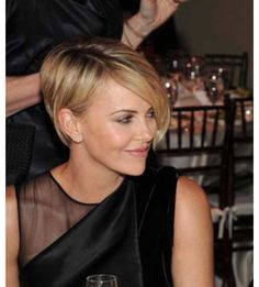 Perfect Long Pixie Bob Haircut, 10 Best Pixie Haircuts for Long Faces Intended for Particular Long Pixie Bob Haircut Long Pixie Hairstyles, Short Hairstyles For Women, Cool Hairstyles, 2015 Hairstyles, Hairstyle Ideas, Short Hair Cuts, Short Hair Styles, Pixie Cuts, Short Hair Long Bangs
