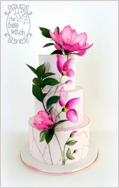 Painted Magnolia Wedding - cake by Nessie - The Cake Witch Beautiful Wedding Cakes, Gorgeous Cakes, Pretty Cakes, Cute Cakes, Amazing Cakes, Bolo Floral, Floral Cake, Fondant Cakes, Cupcake Cakes