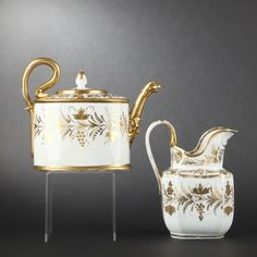Paris. porcelain teapot and water pitcher - french porcelain