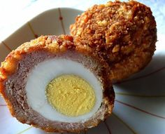 Try this Willard Scott Scotch Eggs recipe, or contribute your own. A breakfast of meat. This recipe will become the approved breakfast from every man in your life. Willard Scott Scotch Eggs Recipe takes hard boiled egg Breakfast And Brunch, Breakfast Recipes, Morning Breakfast, Breakfast Specials, Recipes Dinner, Breakfast Ideas, Tortas Low Carb, Tapas, Scotch Eggs Recipe
