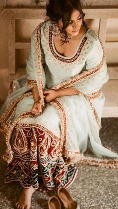 Embroidery Suits Punjabi, Embroidery Suits Design, Punjabi Designer Boutique, Rajputi Dress, Boutique Suits, Whatsapp Messenger, Indian Outfits, Indian Clothes, Indian Designer Wear