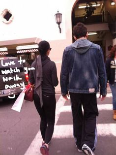 Katy Perry and John Mayer go shopping in Santa Barbara. Is John spending the holidays with her folks?