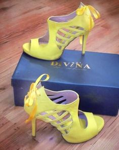 Παπούτσια χειροποίητα, φτιαγμένα για γάμο με boho νυφικό σε κίτρινο χρώμα Peeps, Peep Toe, Boho, Yellow, Shoes, Fashion, Moda, Zapatos, Shoes Outlet