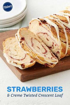 Strawberries and Creme Twisted Crescent Loaf Freeze Dried Strawberries, Strawberries And Cream, Delicious Desserts, Dessert Recipes, Pillsbury Recipes, Crescent Roll Recipes, Crescent Dough, Danishes, Loaf Pan
