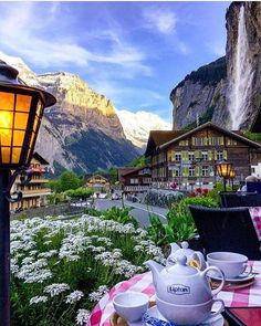 Lauterbrunnen, Switzerland ➖➖➖➖➖➖➖➖➖➖➖➖➖ Photo by: ➖➖➖➖➖➖➖➖➖➖➖➖➖ Tag your best landscape photos with or send them in direct for a chance to be featured Gorgeous view! Places Around The World, The Places Youll Go, Travel Around The World, Places To Visit, Wonderful Places, Beautiful Places, Beautiful Hotels, Hotel In Den Bergen, Bósnia E Herzegovina
