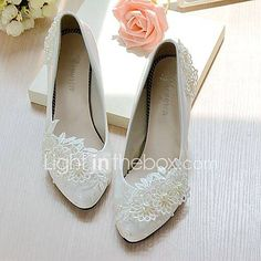 Women's Wedding Shoes Cone Heel / Low Heel Pointed Toe / Round Toe Imitation Pea… - Modern Converse Wedding Shoes, Bridal Wedding Shoes, Wedding Party Dresses, Dress Party, Flower Girl Shoes, Girls Shoes, Badgley Mischka Shoes Wedding, Wedding Shoes Online, Kinds Of Shoes