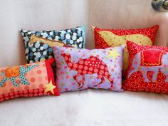 Cute Pillows for Teens Cute Pillows, Throw Pillows, Camelo, Handmade Cushions, Circus Theme, Blanket Stitch, Red Fabric, Coloring For Kids, Color Pallets