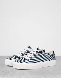 Bershka Georgia - Striped lace-up sneakers