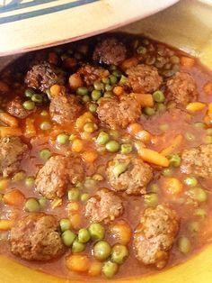 Tajine petits pois carottes et boulettes de viande hachée