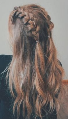 Easy Hairstyles post-workout hair hacks genius life hacks for great hair after the gym, from braids to sea salt spray Try On Hairstyles, Cool Braid Hairstyles, Workout Hairstyles, Hairstyle Ideas, Hairstyles 2018, Wedding Hairstyles, School Hairstyles, Natural Hairstyles, Summer Hairstyles