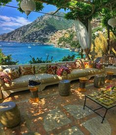 One of the best and most beautiful places in the world: Positano, Italy on the Amalfi Coast ❤️ #Italy #amalficoast #positano #luxury #travel #love ☀️️☀️️☀️️