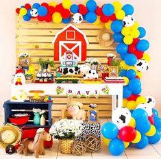Party Animals, Farm Animal Party, Farm Animal Birthday, Barnyard Party, Farm Birthday, Farm Party, Mcdonalds Birthday Party, 2nd Birthday Party Themes, Kids Party Themes