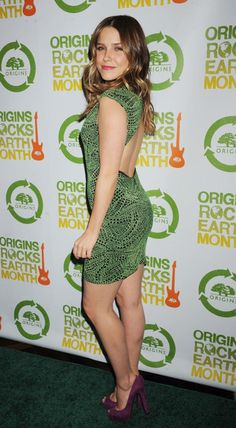 Sophia Bush Photos - Sophia Bush attending the Annual Origins Rocks Earth Month concert hosted by Origins at Webster Hall in New York. - Celebs at the Annual Origins Rocks Earth Month Concert Beautiful Legs, Gorgeous Women, Sophia Bush Style, Nice Legs, Beautiful Actresses, Sexy Legs, Girl Crushes, Hot Girls, Celebrity Style