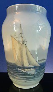 ) Sailing Ship Vase (might be Bing & Grondahl).wasn't your dad's big lamp similar to this? Royal Copenhagen, Blue Dishes, Royal Crown Derby, Japanese Porcelain, Nautical Home, Danish Design, Coastal Decor, My Favorite Color, Denmark