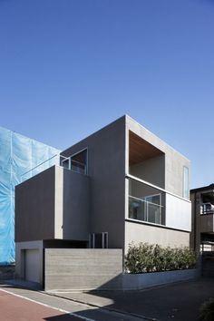 ∩∪ (and or) (外観) Minimalist Architecture, Contemporary Architecture, Architecture Design, Morden House, Compact House, Minimal Home, Building Facade, Garage House, Dream Apartment