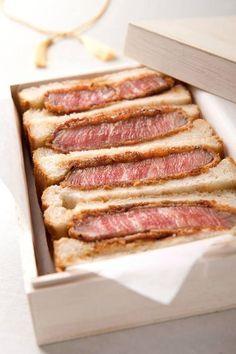 仙台牛シャトーブリアン極カツサンド¥10,800