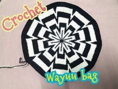 How to Crochet Wayuu Bag Colombia Tutorial Crochet Squares Afghan, Afghan Crochet Patterns, Crochet Lace Edging, Crochet Mandala, Tapestry Bag, Tapestry Crochet, Crochet Pillow, Diy Crochet, Crochet Keychain Pattern