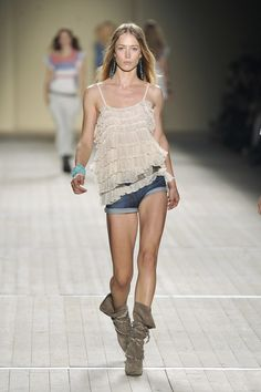 Isabel Marant at Paris Fashion Week Spring 2009 - Runway Photos Hippie Chic, Bohemian Style, Isabel Marant, Raquel Zimmermann, Summer Outfits, Couture, Lace, Clothes, Weird Things