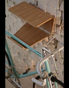 Wandregale - Scandinavischer Fahrradhalter 'Gren' aus Holz - ein Designerstück von MadebyBENT bei DaWanda