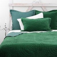 Emerald green quilt. Love this colour.