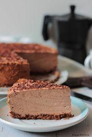 Happy Kitchen.: Czekoladowy sernik na zimno na jogurcie greckim. Polish Desserts, Polish Recipes, Cookie Desserts, No Bake Desserts, Bakery Recipes, Sweets Recipes, Chocolate Slim, Sandwich Cake, Sweet Cakes