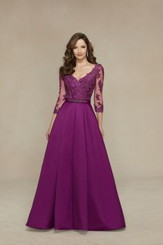 Cheap mother of bride dress, Buy Quality mother of bride directly from China mother of the bride Suppliers: 2017 New vestidos de festa vintage purple long evening dresses v neck satin mother of the bride dress ormal party robe de soiree Party Gowns, Wedding Party Dresses, Bridesmaid Dresses, Prom Dresses, Prom Party, Dress Prom, Party Suits, Wedding Lace, Lace Dresses