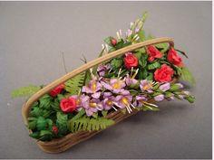 tullips - www.allthingssmall.com/contents/en-us/d3_plants_flowers_shrubs_dollhouse_miniature_landscapingScreen