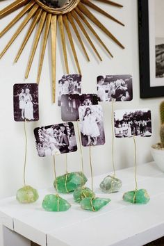 DIY Photo crystal display from A Beautiful Mess Diy Photo, Photo Craft, Exposition Photo, Do It Yourself Inspiration, Style Inspiration, Creation Deco, Diy Crystals, Diy Garland, Garland Decoration