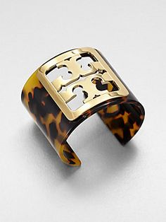 How to Properly Take Care of a Big Tortoise Diamond Are A Girls Best Friend, Tortoise Shell, Types Of Fashion Styles, Autumn Winter Fashion, Tory Burch, Jewelry Accessories, Fashion Jewelry, Rings For Men, Jewels