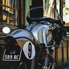 Triton 650 Cafe Racer | 1955 Manx Racer Frame | Triumph Engine | Bikini Fairing | Norton Tank | Racing Cowl | Legend Triton Cafe Racer | The mingling of Triumph and Norton Motorcycle parts