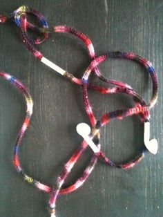 Crochet cover for iPhone head phones
