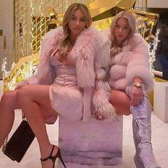 Girly Outfits, Sexy Outfits, Fox Fur Coat, Fur Coats, Thick Girl Fashion, Fur Fashion, Fur Jacket, Gorgeous Women, Beautiful