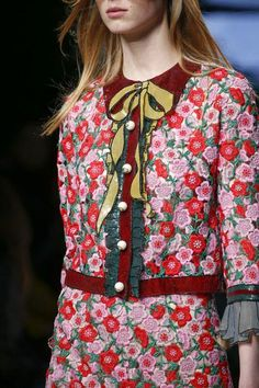 Gucci Spring 2016 Ready-to-Wear Accessories Photos - Vogue Haute Couture Style, Couture Mode, Couture Fashion, Runway Fashion, High Fashion, Fashion Show, Womens Fashion, Fashion Trends, Milan Fashion