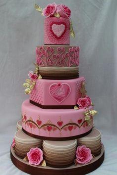 Gold Award Wedding Cake entry Cake International - Hearts - Cake by The Cupcake Oven