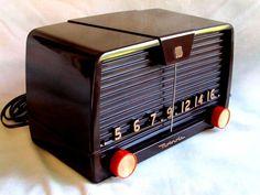 Motorola Deco Bakelite radio original gorgeous mid century compact 5 tube retro!