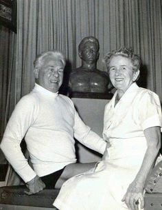 Joseph H. Pilates and his wife Clara Pilates Training, Pilates Workout, Pilates Fitness, Pilates Instructor, Pilates Studio, Josef Pilates, Piyo Class, Easy Weight Loss, Lose Weight
