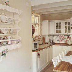 """1,635 Likes, 6 Comments - düzenaşkı (@evim_duzen_temizlik) on Instagram: """"Evimin köşesinde şahane bir mutfak   #kesfetgullerielif17 #mutfak #decor #günaydın #love…"""""""