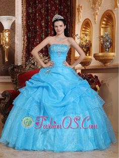 You need the perfect dress for sweet sixteen party, and you have come to the right place. We are offering you various perfect quinceanera dresses for sweet 15 / 16 in many styles. Sweet Sixteen Dresses, Sweet 15 Dresses, Dresses Elegant, Affordable Dresses, Amazing Dresses, Pretty Dresses, Blue Ball Gowns, Ball Gown Dresses, Red Gowns
